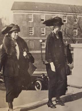 Eleanor Roosevelt going to Congress for testimony on the Bok Prize. (LC)