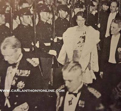 Eleanor Roosevelt arriving at the 1933 Inaugural Ball. (carlanthonyonline.com)