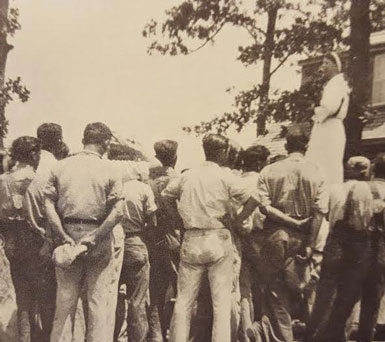 Eleanor Roosevelt speaks to a group of Civilian Conservation Corps workers in Tennessee. (Tennessee History for Kids)