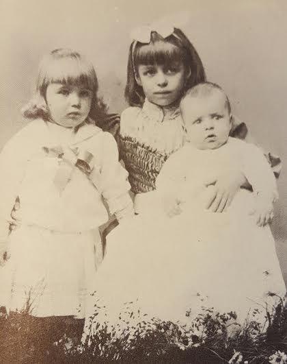 Eleanor Roosevelt with her brothers Hall and Elliott. (FDRL)